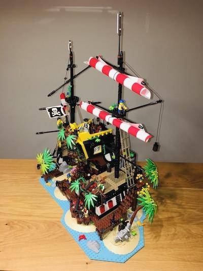 lego 21322 Piraten der Barracuda-Bucht hinten